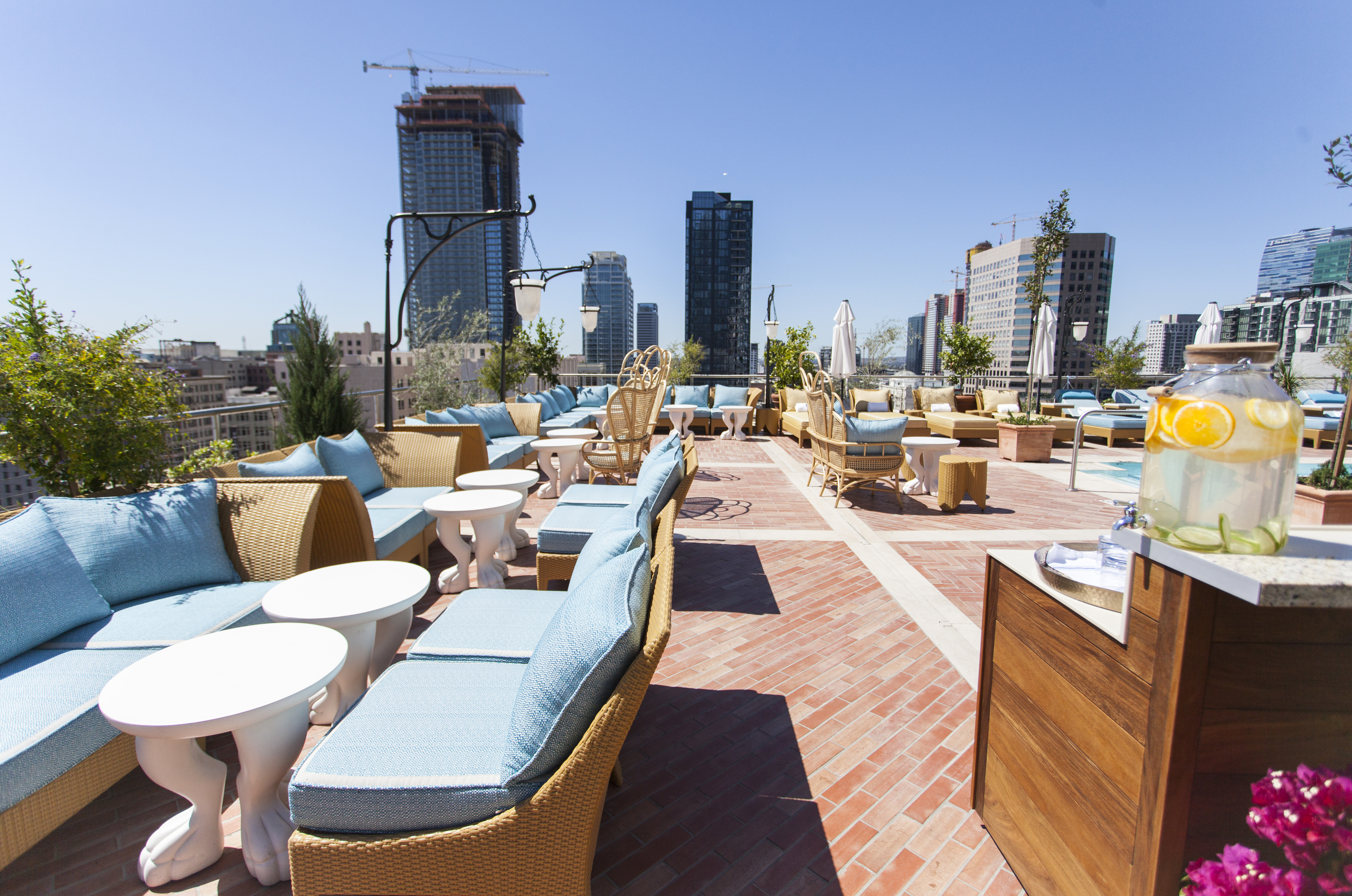 The Nomad S Rooftop Bar And Caf 233 Opens To The Public On
