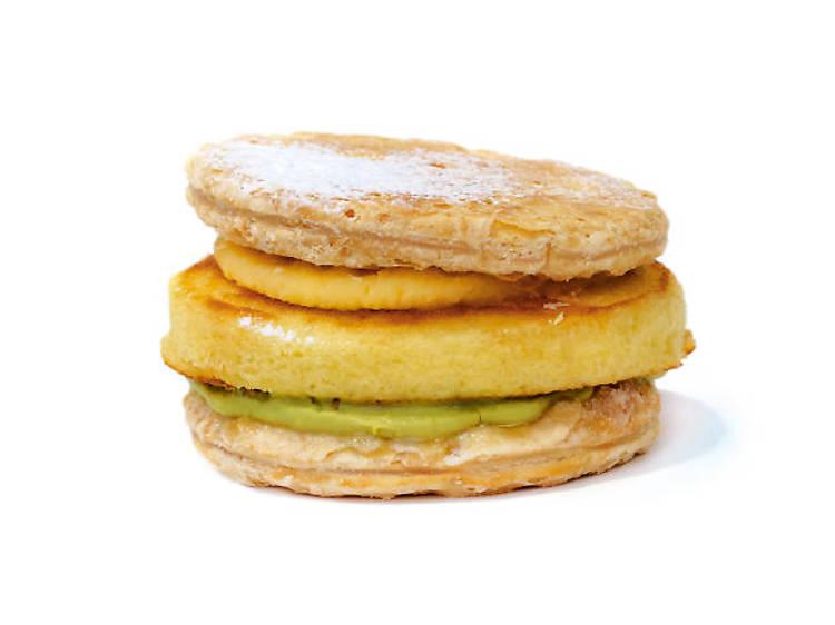 Soufflé pancake and pancake mille-feuille
