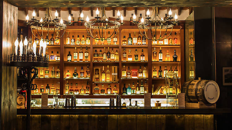 The bars you need to drink at in Paris