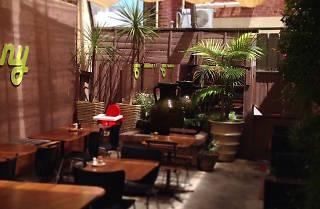 Eeny Meeny's courtyard dining area