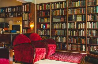 Lok Man Rare Books