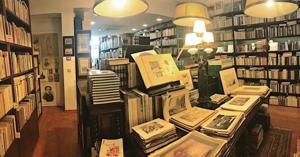 A livraria Candelabro fica em Cedofeita