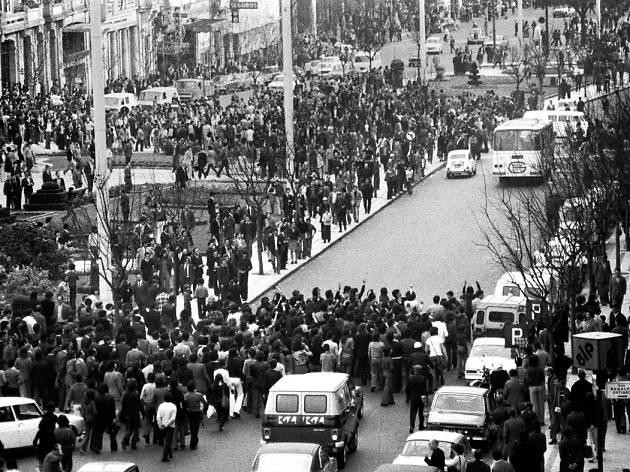A Baixa do Porto no dia 25 de Abril de 1974