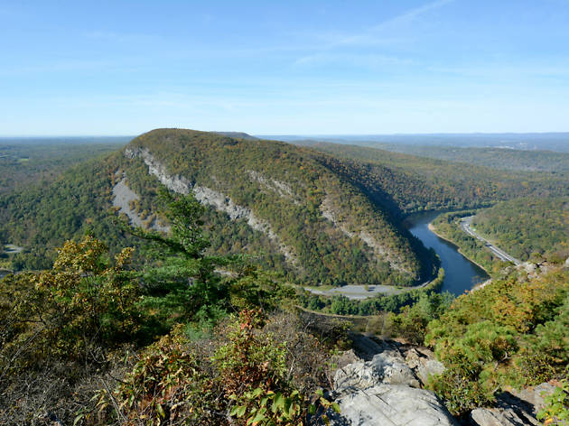 Looking for hiking near Philadelphia? Give Mt. Minsi a try. The views are breathtaking.