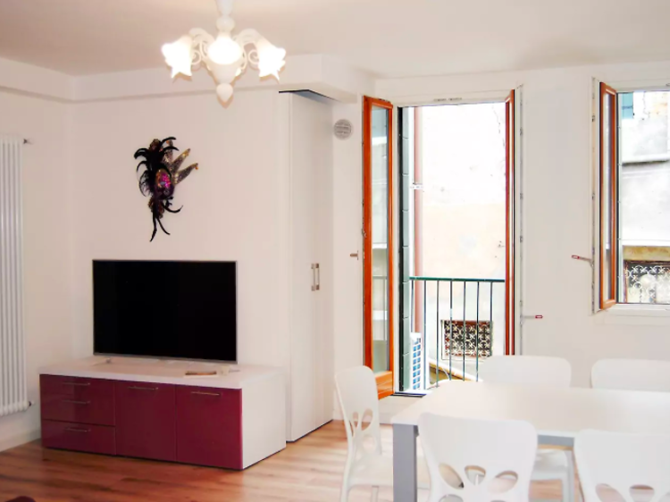 Cosy two-bed apartment in Cannaregio