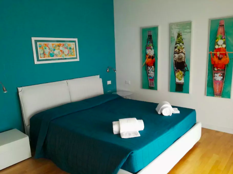 Modern two-bed with garden in Cannaregio