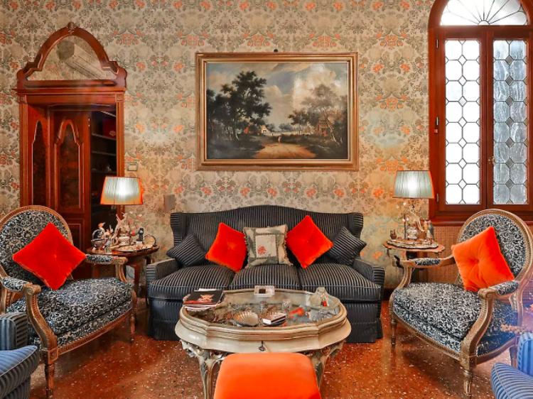 Historic three-bed apartment near the Rialto Bridge
