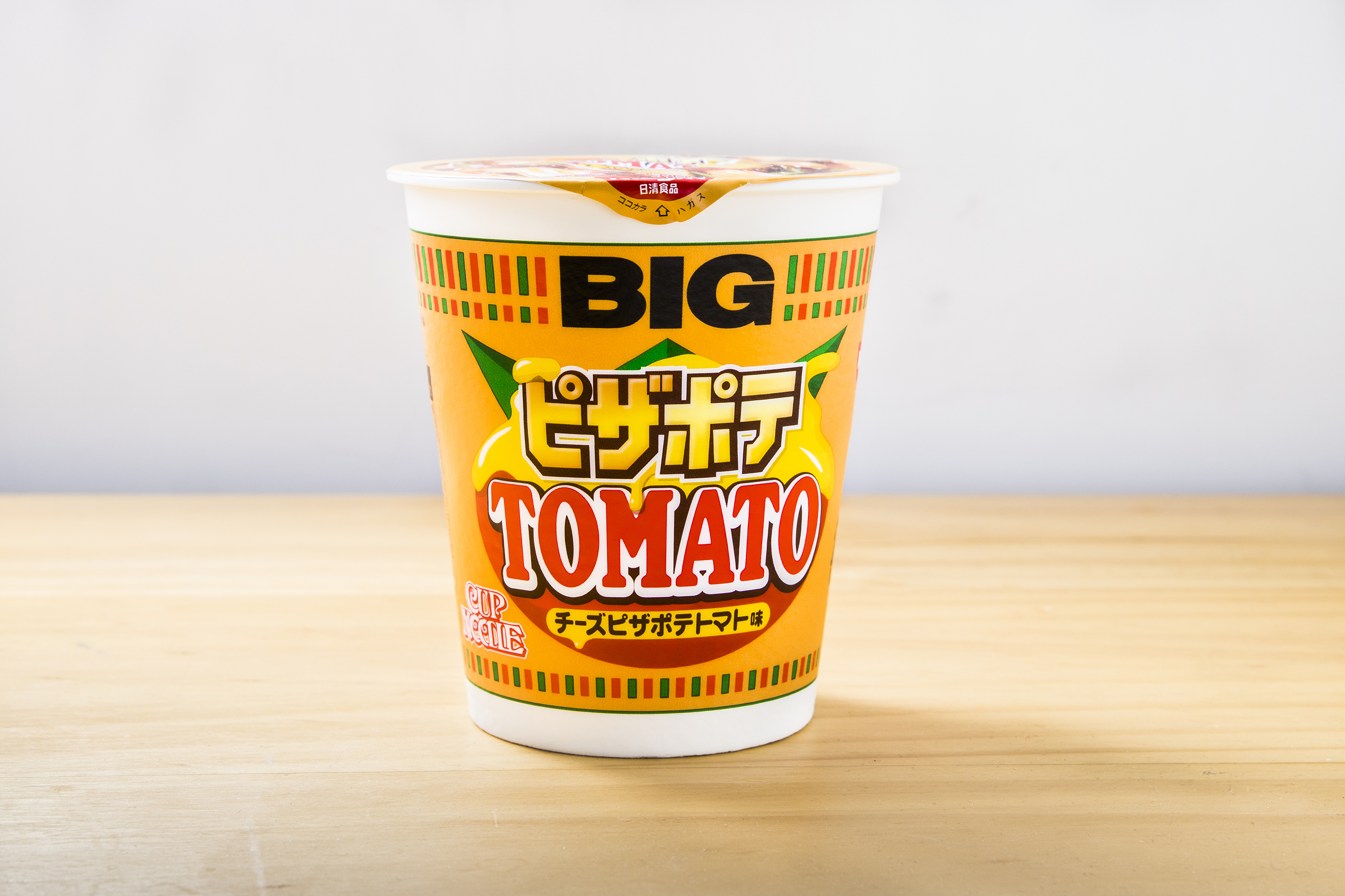 Tomato pizza cup noodles