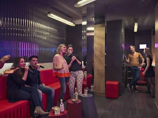 karaoke bar paris