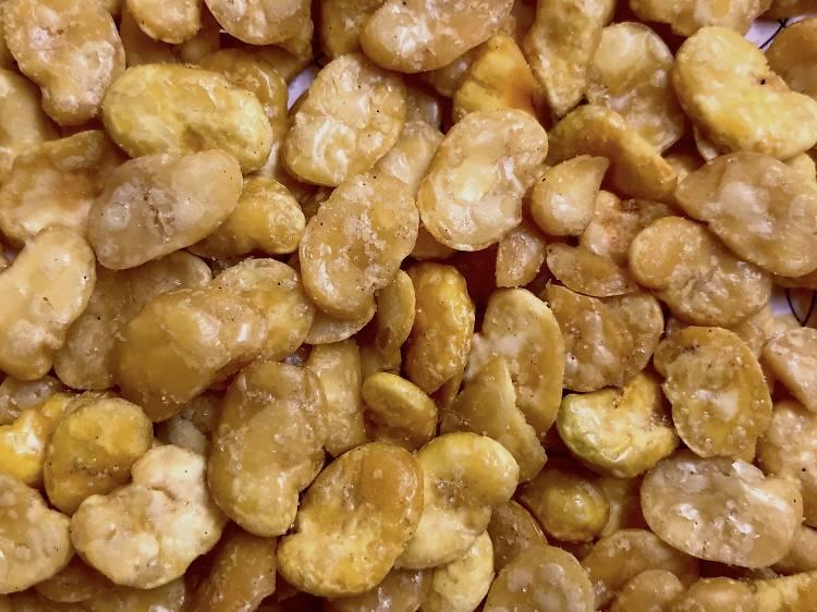 Kacang Sipat (broad beans)