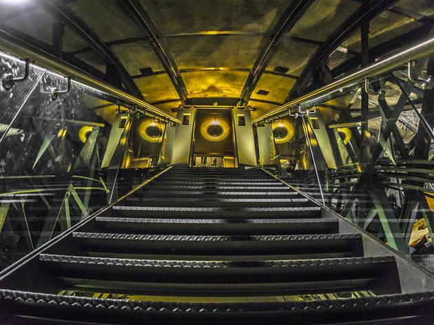 Escaleras para la linternilla del Monumento a la Revolución