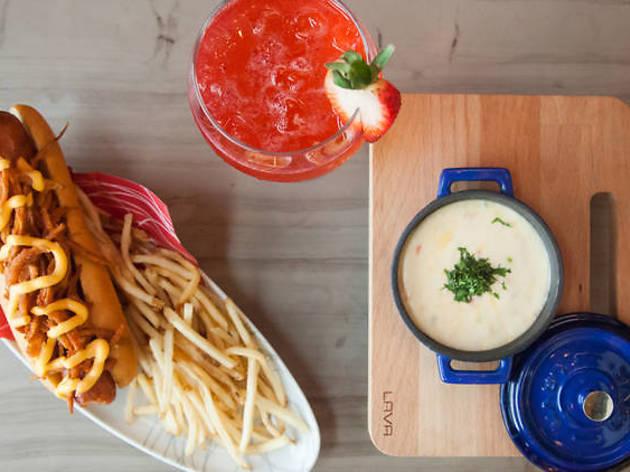 Come de todo, cocteles y boliche en Alboa