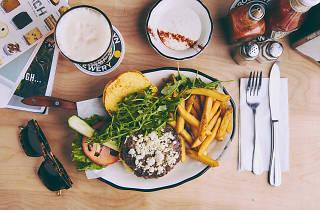 Black Tap Greg Norman burger