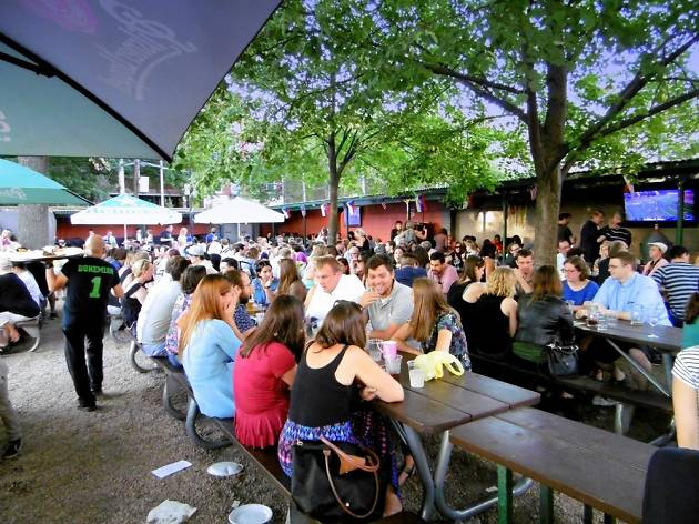 25 Of The Best Beer Gardens And Beer Halls In Nyc Right Now