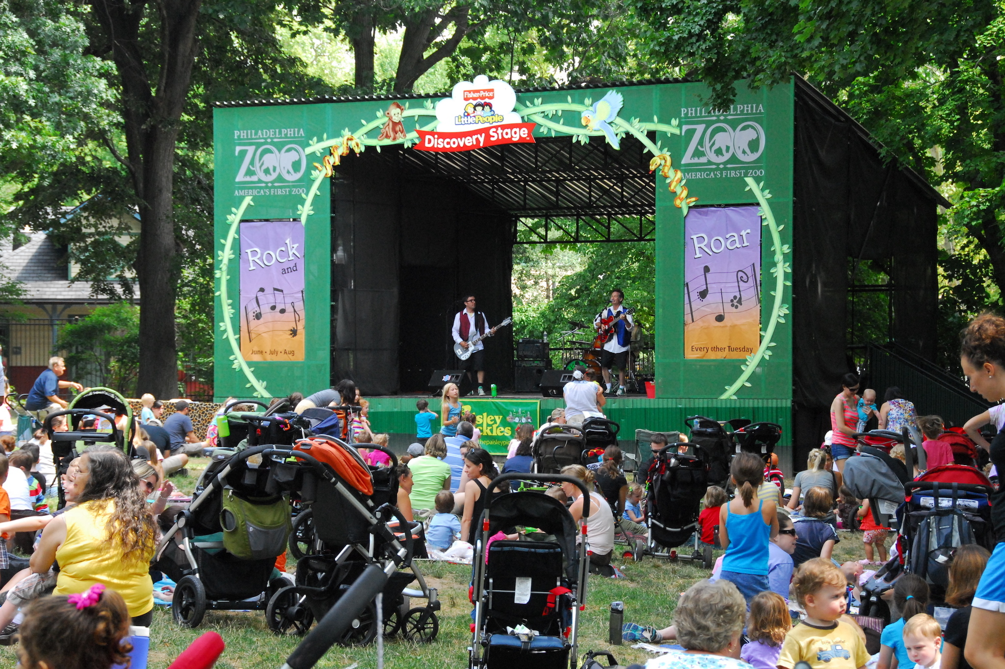 Rock n Roar brings kiddie music festival vibes to the Philadelphia Zoo.