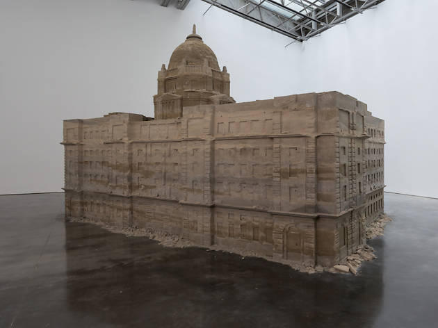 "A 20-ton ""sand castle"" has taken over a Chelsea art gallery"