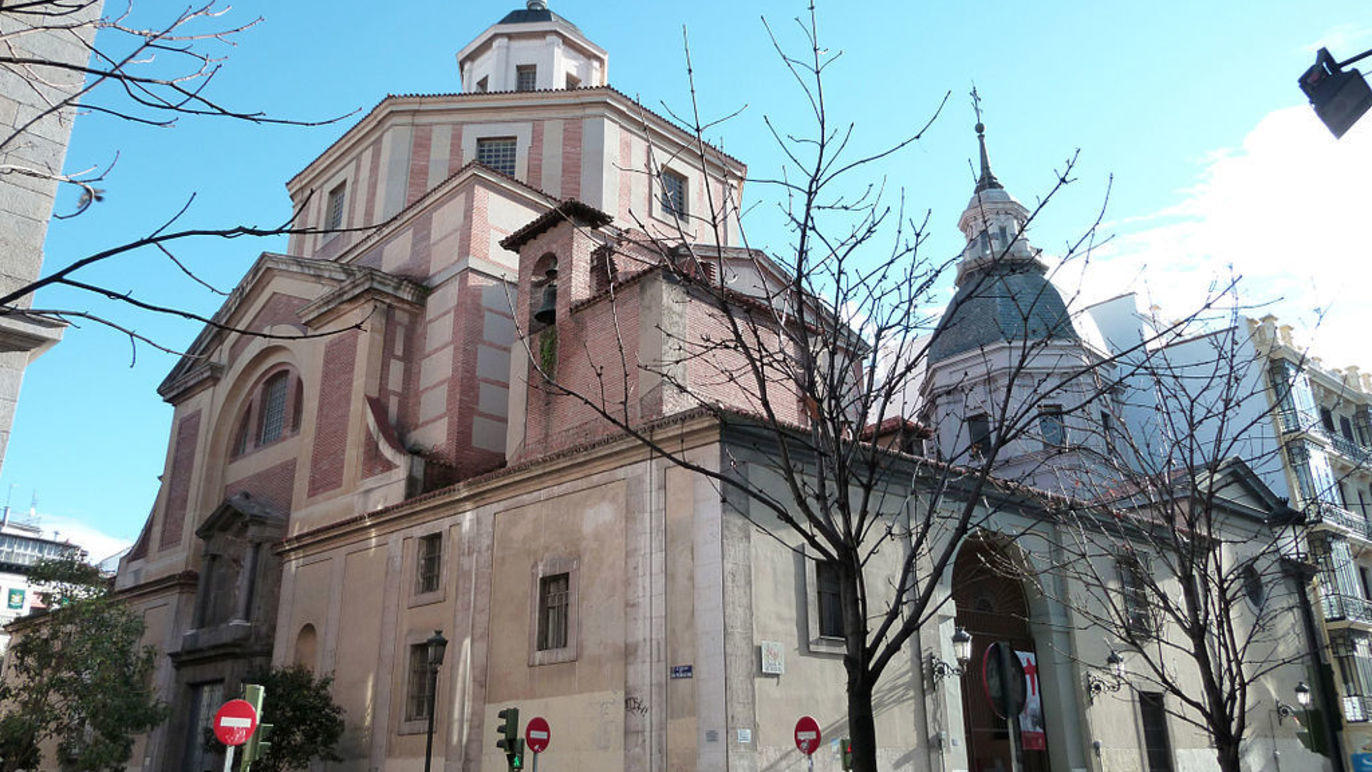 Históricos españoles en tumbas ocultas