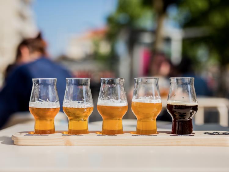 Os 15 melhores sítios para beber cerveja artesanal em Lisboa