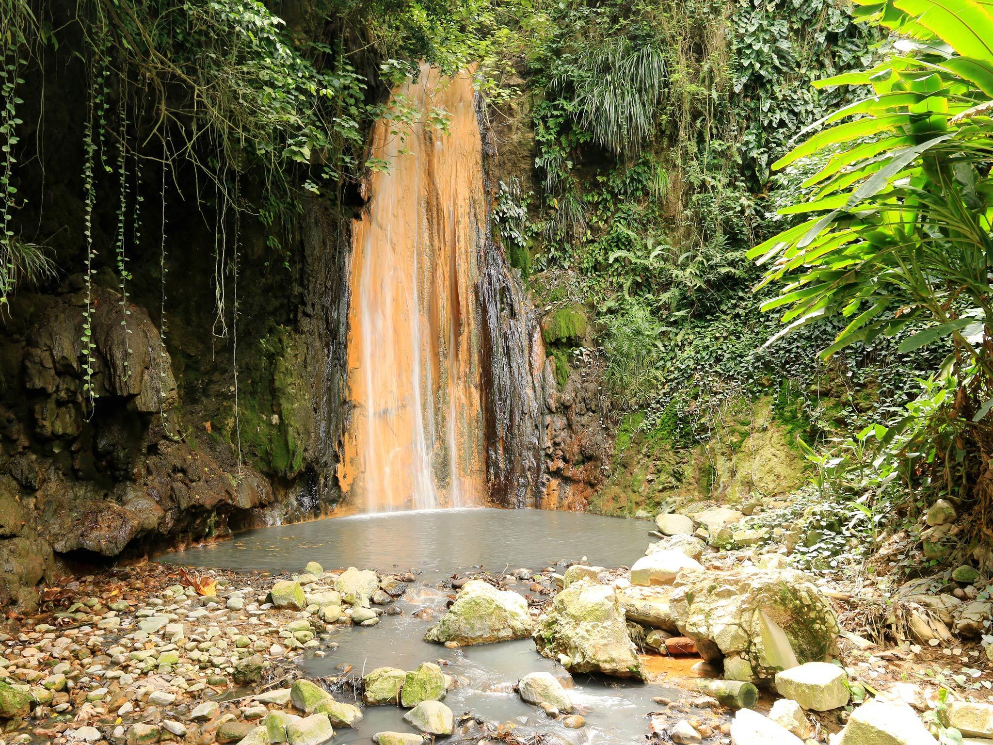 Diamond Falls Botanical Gardens in St Lucia