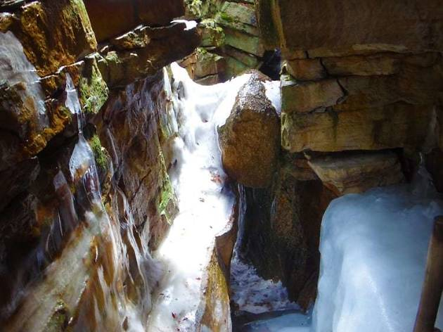 Ice Caves and Verkeerderkill Falls Trail Hike