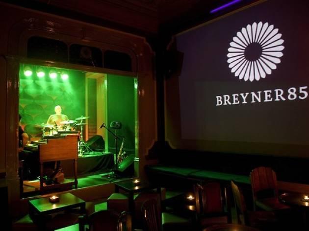 À sexta-feira, a noite é de Karaoke no Breyner.
