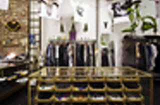 SHOPPING_No_One_Press2011_001.jpg