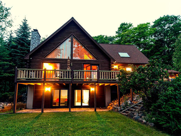 Beautiful Log Cabin on the Bay in Traverse City, MI