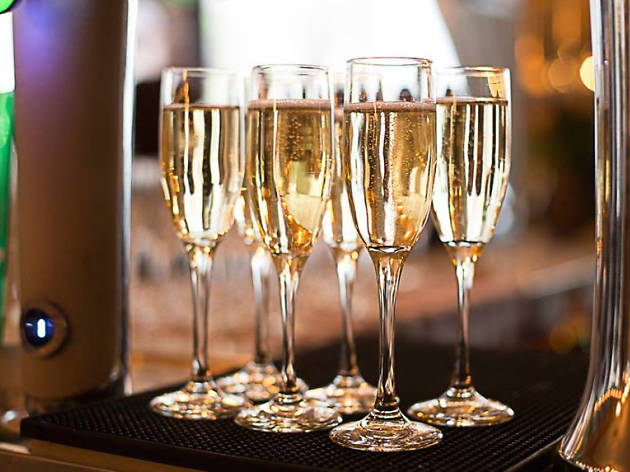 Cata y taller de coctelería con champaña en La Xampa García