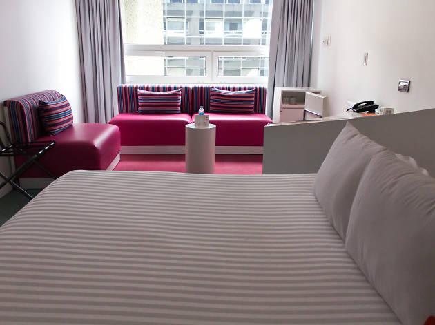 Habitación del hotel boutique Room Mate Valentina