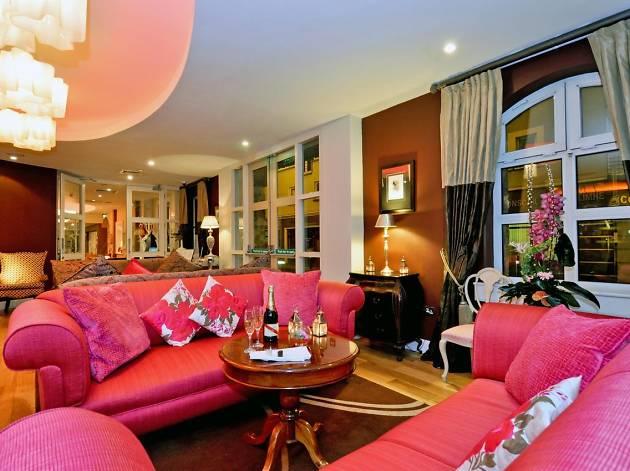 House Hotel