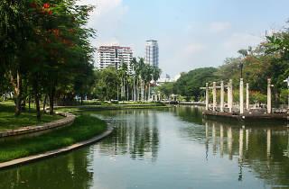 Suan Plu Public Park 01