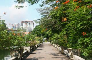 Suan Plu Public Park 02