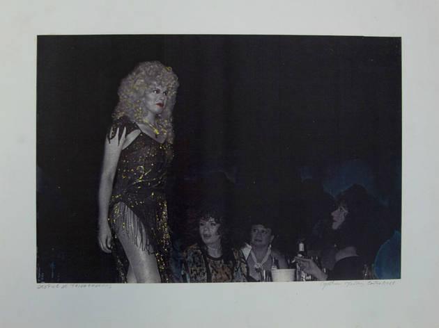 (Foto: Desfile de triunfadoras. De la serie Noche de reinas en el Spartacus (1988)/Cortesía Centro de la Imagen)