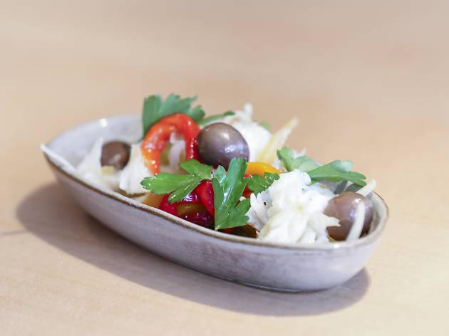 Saladinha de bacalhau e pimentos