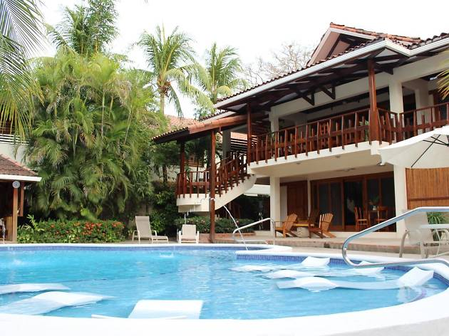 Casa Cook Beachfront Hotel
