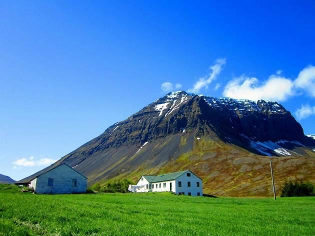 Kirkjuból í Bjarnardal