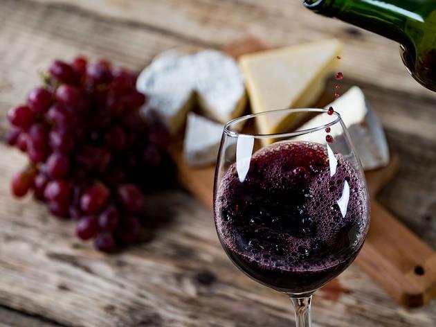 Maridatge entre vi, formatges i ceràmica