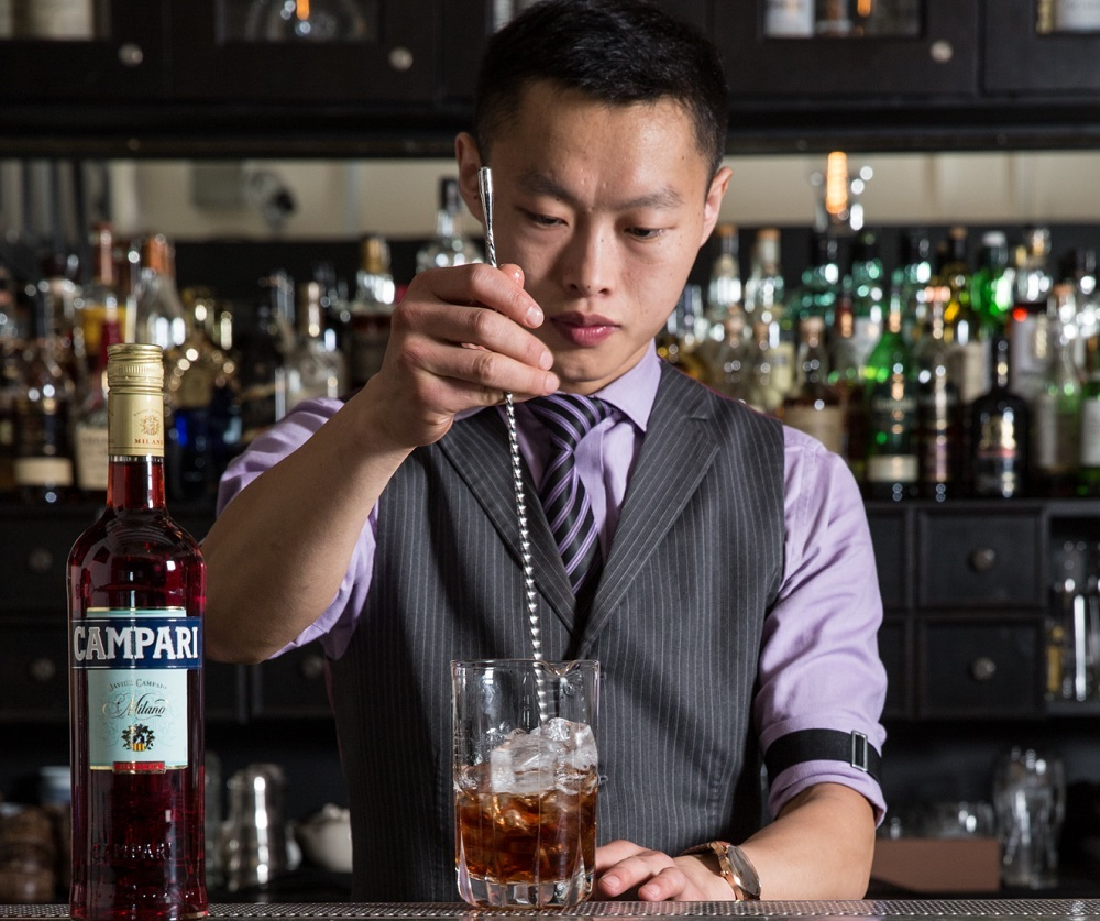 52 Weeks of #ExcitingSG: Week 16 with Frank Hu from Manhattan Bar