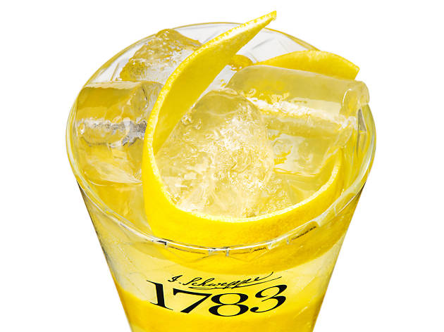Schweppes campaign, Kings Head ginger ale drink