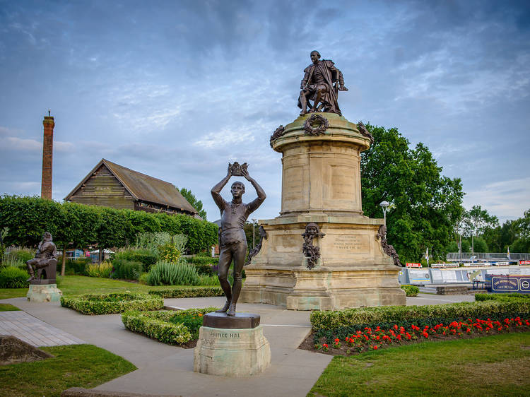 See a Shakespeare play in his hometown