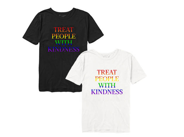 Playera Treat People With Kindness