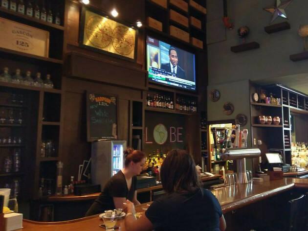 Globe Bar & Cafe