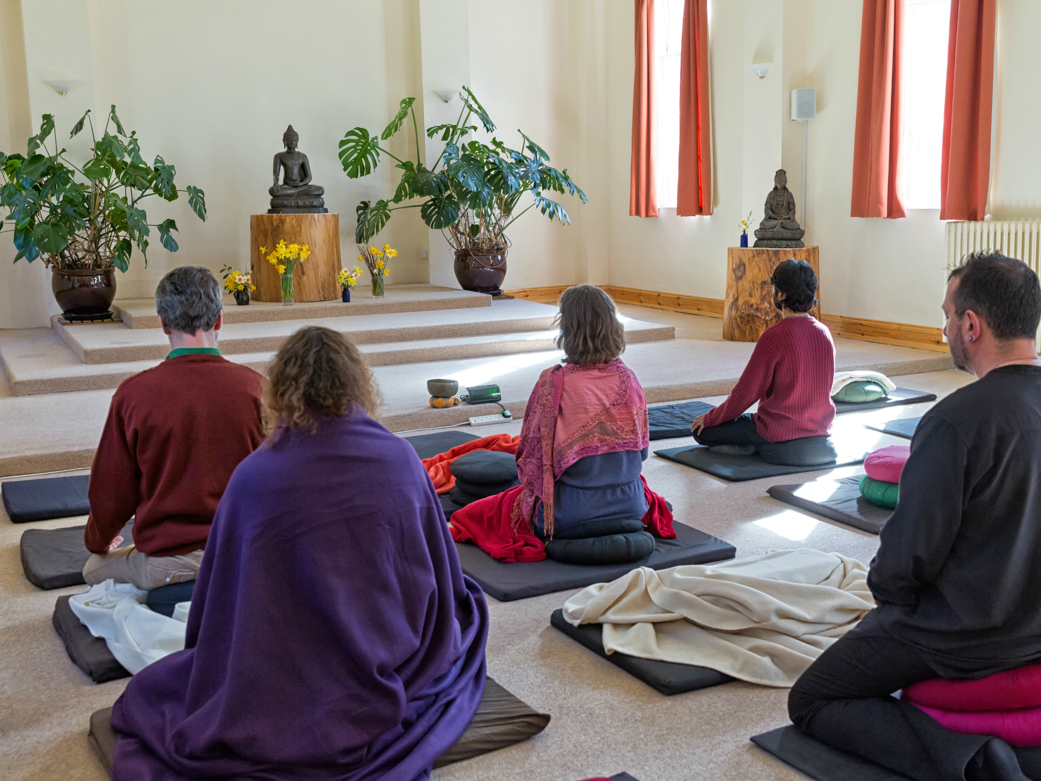 gaia house meditation room