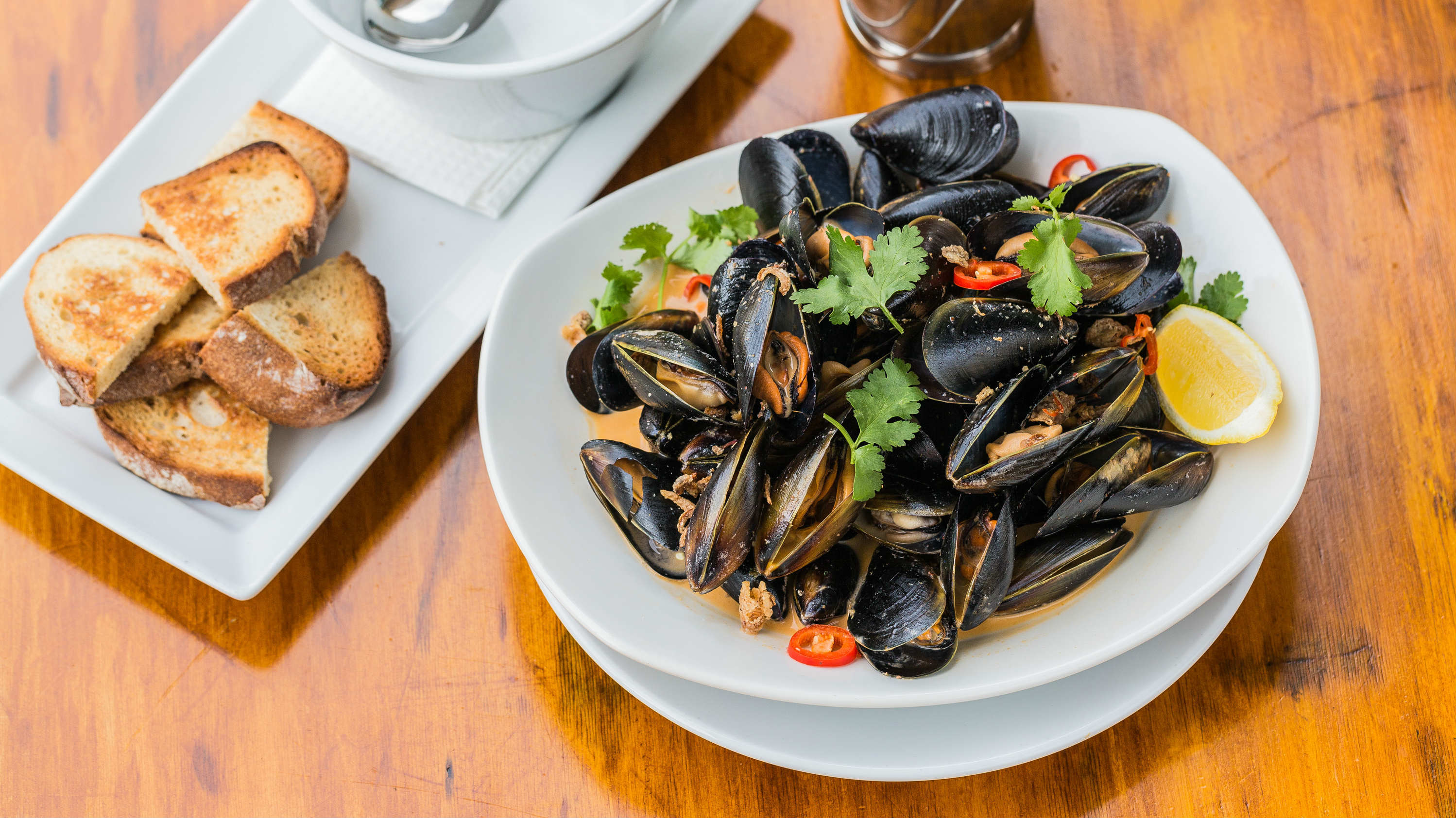 Story Bridge Hotel mussels in red curry