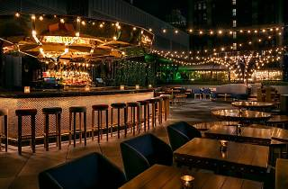 Magic Hour Rooftop Bar & Lounge