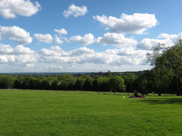 Explore: Hilly Fields Park