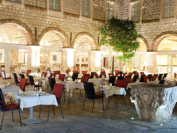 Klarisa Restaurant