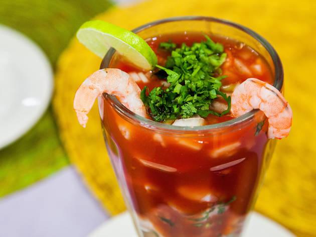 Coctel de camarón mariscos La Mony CDMX Roma