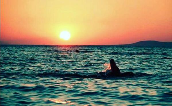 Nedar a l'alba, a la posta de sol o de nit a les vies braves