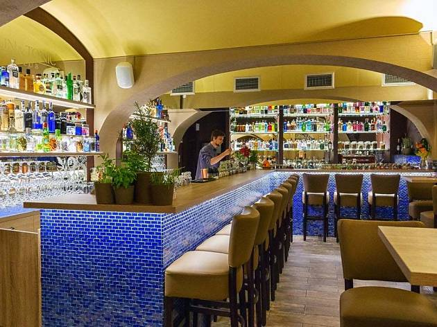 Gin Amp Tonic Club Bars And Pubs In Prague